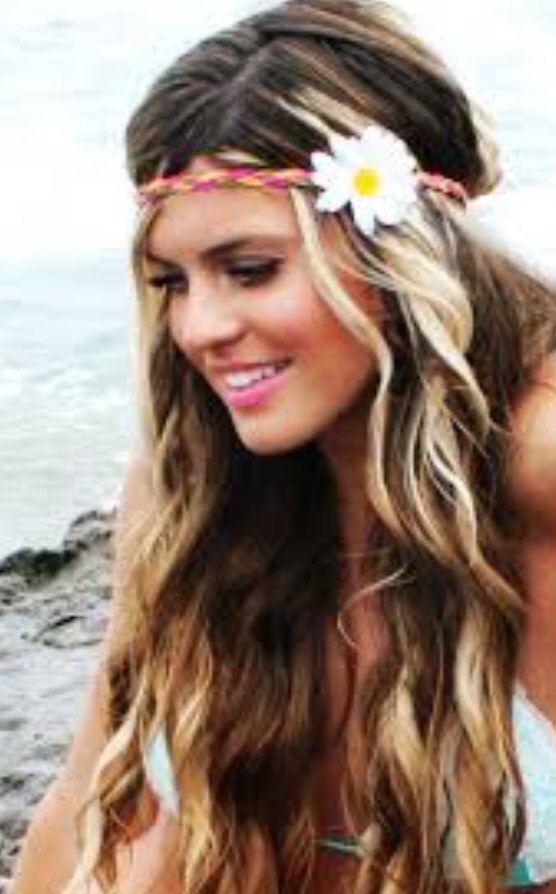 STYlE TIP  TEASE HAIR At THE ROOT TO AVOID A WEIGHTED-DOWN LOOK WHILE  ROCKING A HIPPIE HEADBAND a7dbe06f698